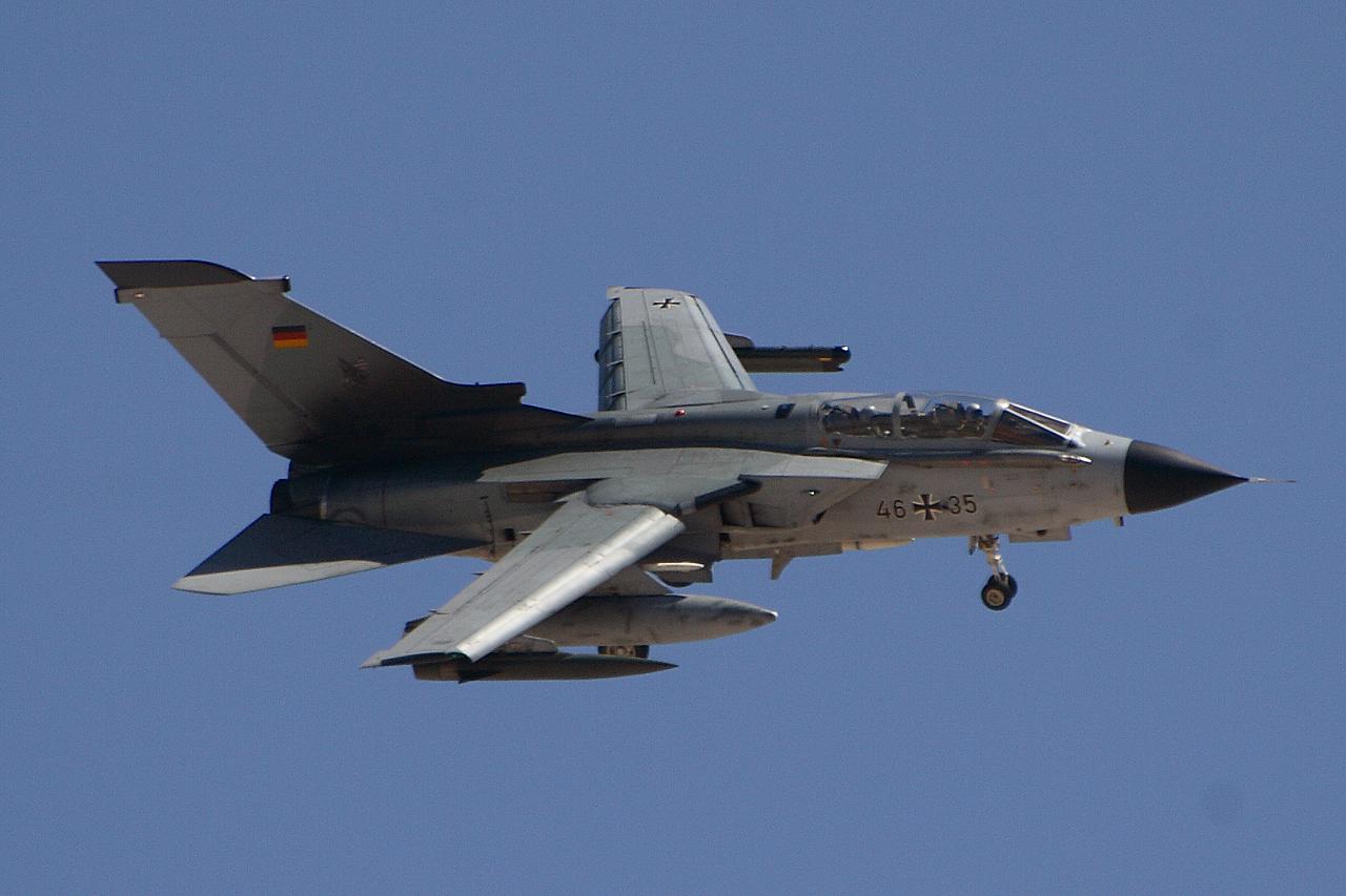TornadoECR4635.jpg